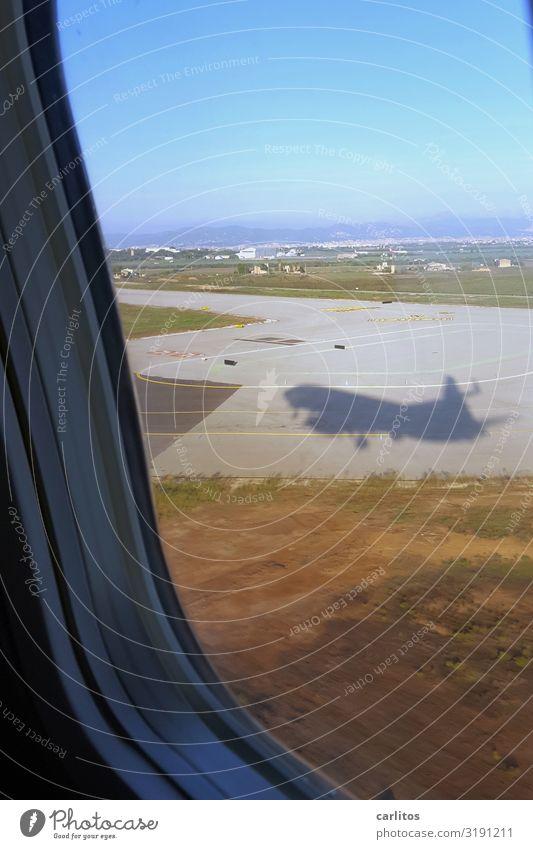 Ankommen Flugzeug Flugzeuglandung Ferien & Urlaub & Reisen Tourismus Mallorca Flughafen Palma de Mallorca Ballermann Junggesellenabschied