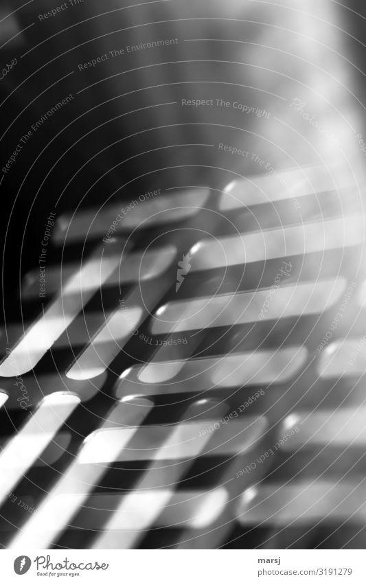 Gebrochenes Licht Schlitz Lichterscheinung trüb Reflexion & Spiegelung außergewöhnlich einzigartig modern trashig träumen Angst Kreativität Surrealismus seltsam