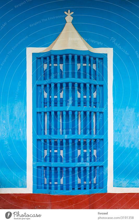 Ferien & Urlaub & Reisen alt blau Stadt schön weiß rot Haus Fenster Straße Architektur Lifestyle Leben Wand natürlich Gebäude