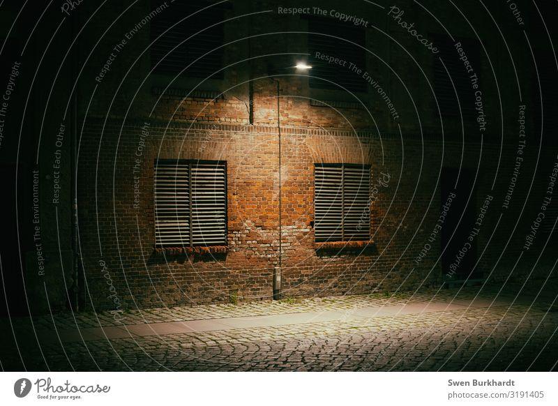 Macht was draus Umwelt Herbst Winter Stadt Hafenstadt Stadtrand Altstadt Menschenleer Haus Industrieanlage Fabrik Ruine Bauwerk Gebäude Architektur Mauer Wand