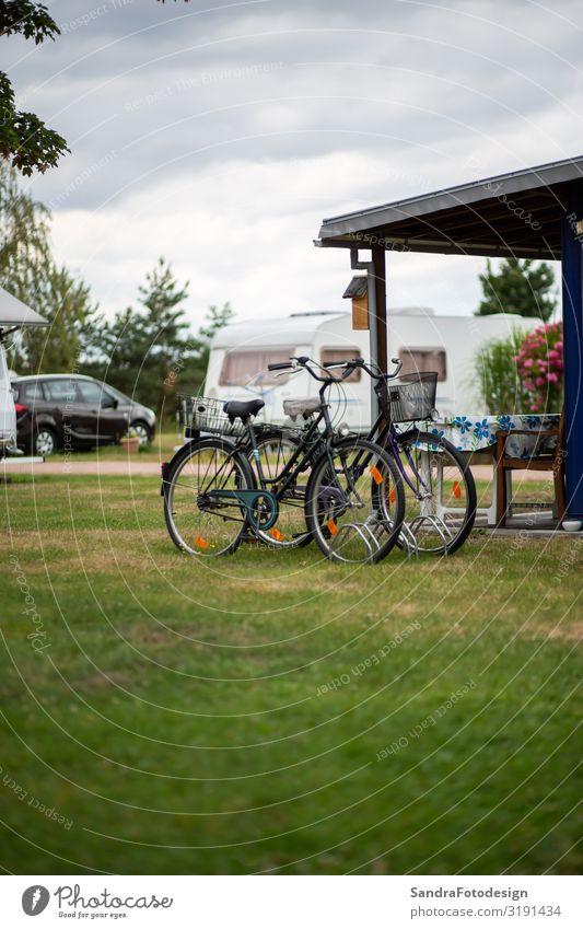 Ferien & Urlaub & Reisen Natur Sommer Erholung Lifestyle Freizeit & Hobby Park sportlich Camping Tourist Wohnmobil Zeltlager