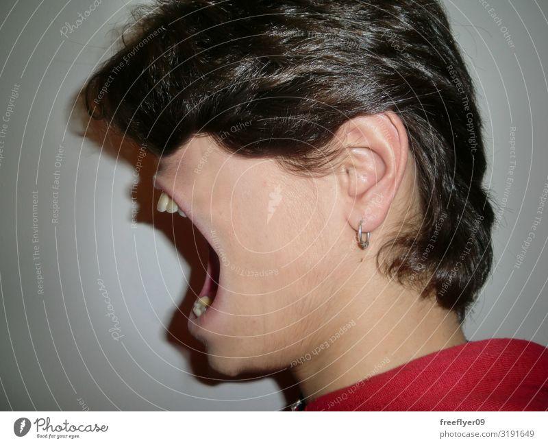 Schreiende Angst Gesicht sprechen maskulin Jugendliche 1 Mensch 18-30 Jahre Erwachsene schreien weinen groß lustig Wut weiß Sorge Surrealismus merkwürdig