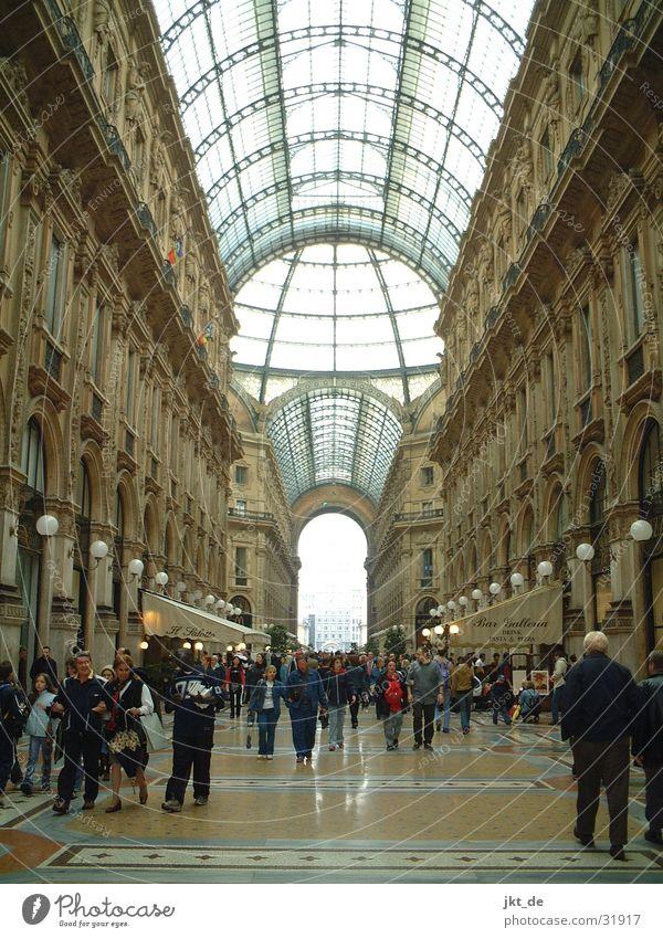 Galleria Vittorio Emanuele Mailand Architektur 1877 Mengoni Himmel aus Glas Eklektizismus
