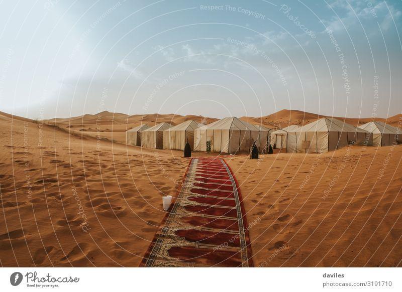 Himmel Ferien & Urlaub & Reisen Natur Sommer Landschaft Haus Berge u. Gebirge Tourismus orange Sand Ausflug wandern Abenteuer authentisch Asien Wüste