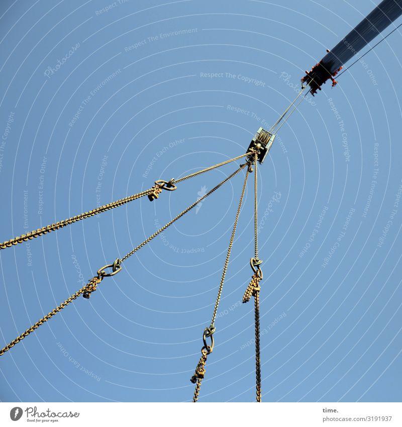 Seilschaften (IV) Himmel Leben Linie Metall Kommunizieren Technik & Technologie Kraft Neugier Sicherheit Kunststoff Konzentration Teamwork hängen Tau Schweben