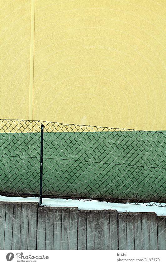 Zaun und Fassade in Grün - Gelb Kunst Umwelt Schnee Architektur Mauer Wand Linie Streifen Netz eckig Sauberkeit trashig trist gelb grün Langeweile