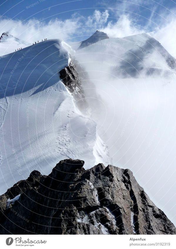 Schwarzhorn von Oben Klima Klimawandel Schönes Wetter Eis Frost Schnee Hügel Felsen Alpen Berge u. Gebirge Monte Rosa Gipfel Schneebedeckte Gipfel Gletscher