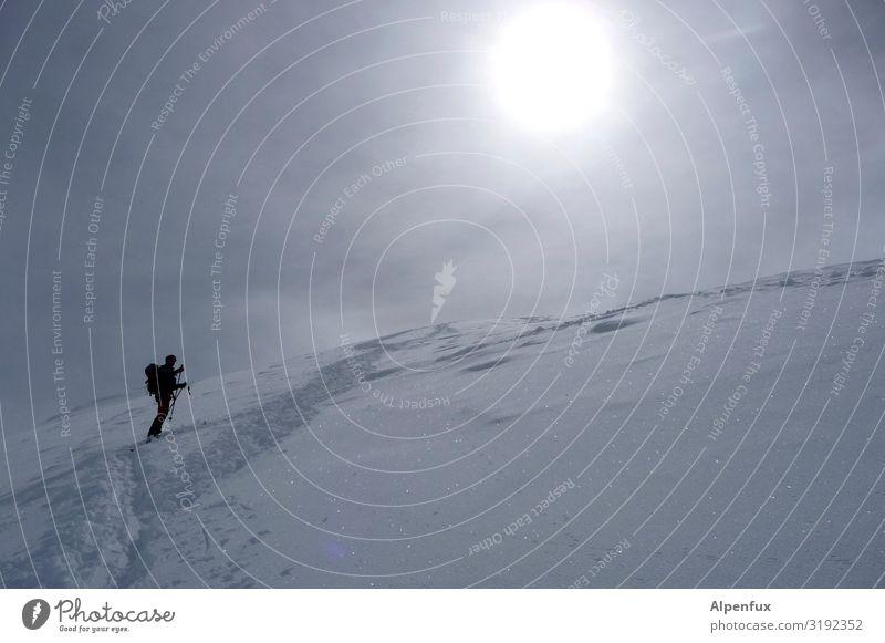 Die Orientierung   verloren Mensch Einsamkeit Berge u. Gebirge Schnee Sport Horizont Angst Eis träumen Erfolg Abenteuer Schönes Wetter gefährlich