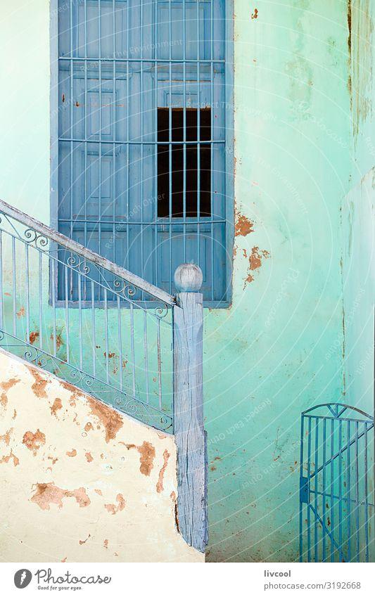 blaues Fenster II, Santiago de Cuba - Kuba Lifestyle Leben Ferien & Urlaub & Reisen Tourismus Ausflug Insel Haus Dekoration & Verzierung Kunst Stadt bevölkert