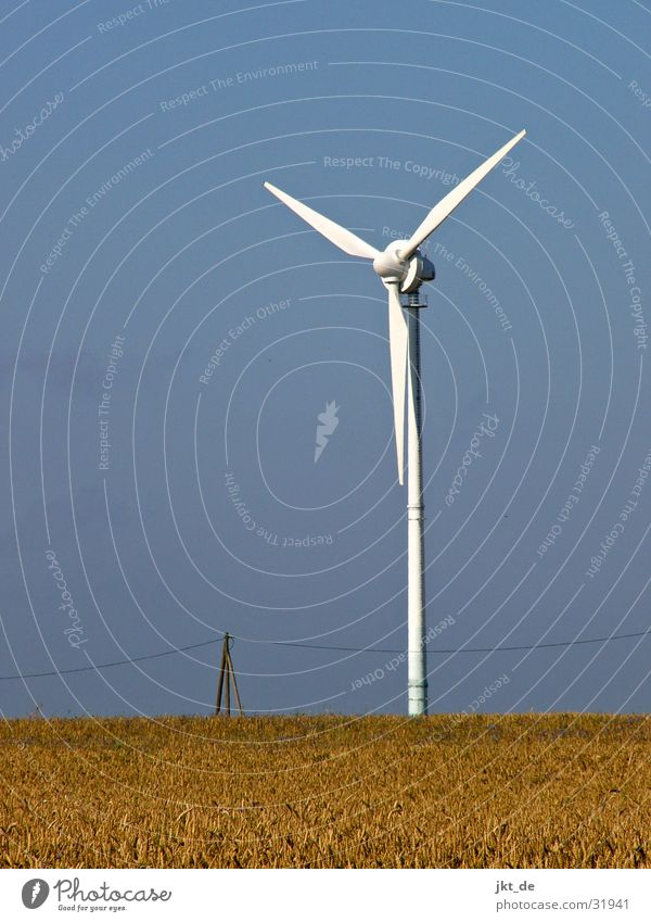 windrad solo 2 Kornfeld Sommer Elektrizität Industrie Windkraftanlage Himmel Kabel