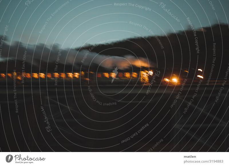 mit Volldampf durch die Nacht alt blau dunkel orange braun grau Verkehr Brücke Eisenbahn fahren Verkehrswege Personenverkehr Verkehrsmittel Wasserdampf