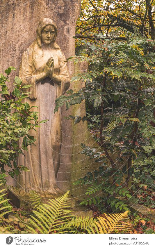 Abschied Kunst Kunstwerk Skulptur Kultur Denkmal Stein feminin Gefühle trösten Traurigkeit Trauer Tod Schmerz Sehnsucht Religion & Glaube Vergänglichkeit