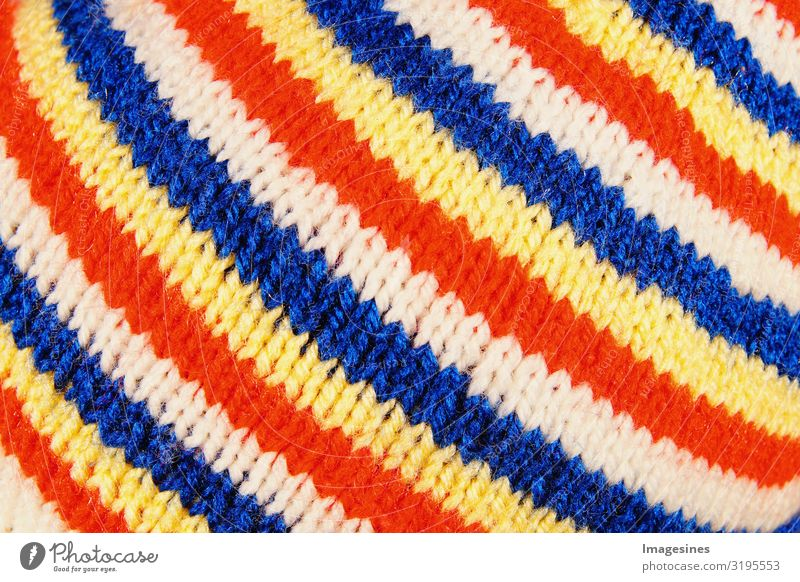 """Narren Kappe Fastnachtsfarben Hintergrund Karnevalshut Mode Bekleidung Mütze Hintergrundbild Freude """"textur muster stoff wolle textil bunt abstrakt rot"""