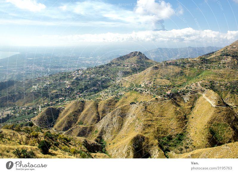 im Frühtau zu Berge Natur Landschaft Himmel Wolken Sommer Schönes Wetter Gras Moos Hügel Felsen Berge u. Gebirge Vulkan Ätna Sizilien Italien Dorf blau grün