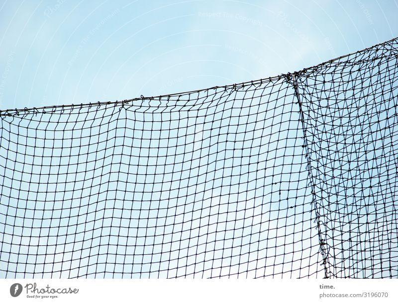 Geschichten vom Zaun (LII) Himmel Metall Linie Netzwerk hoch Stadt Macht Sicherheit Schutz Wachsamkeit Ausdauer standhaft Ordnungsliebe Angst Nervosität