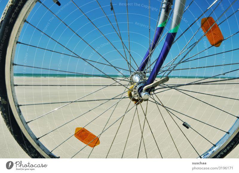 mit dem fahrrad am strand Fahrrad Strand Weite Meer allein Einsamkeit Sand Wasser Küste Himmel Ferien & Urlaub & Reisen Freiheit Erholung Sommer Natur Ferne