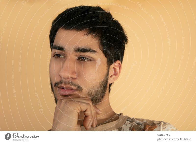 Friendly young Man Stil Mensch Junger Mann Jugendliche 1 18-30 Jahre Erwachsene Mode schwarzhaarig Blick Gesundheit trendy loyal gehorsam friedlich