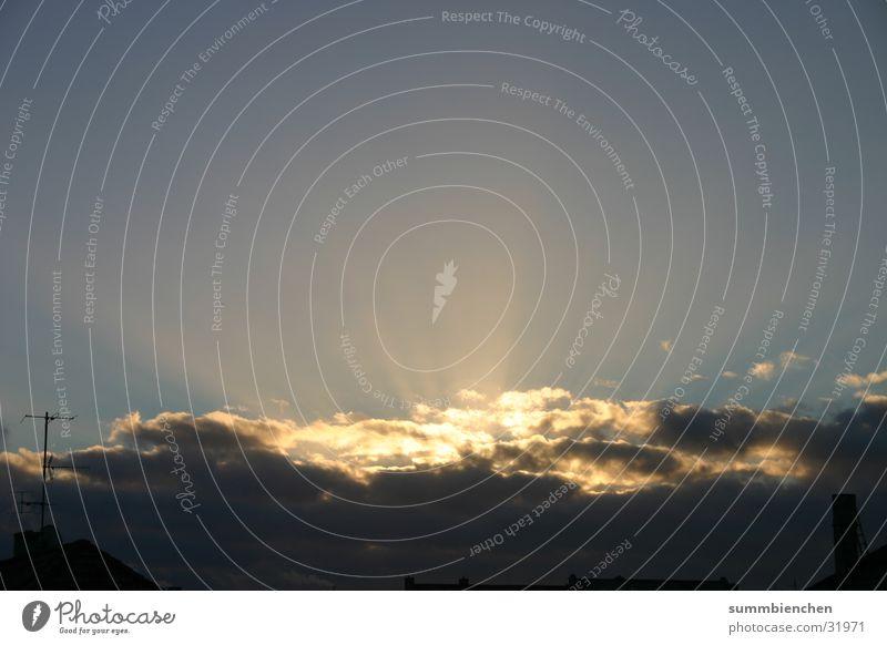 Sun goes down Himmel Sonne Wolken
