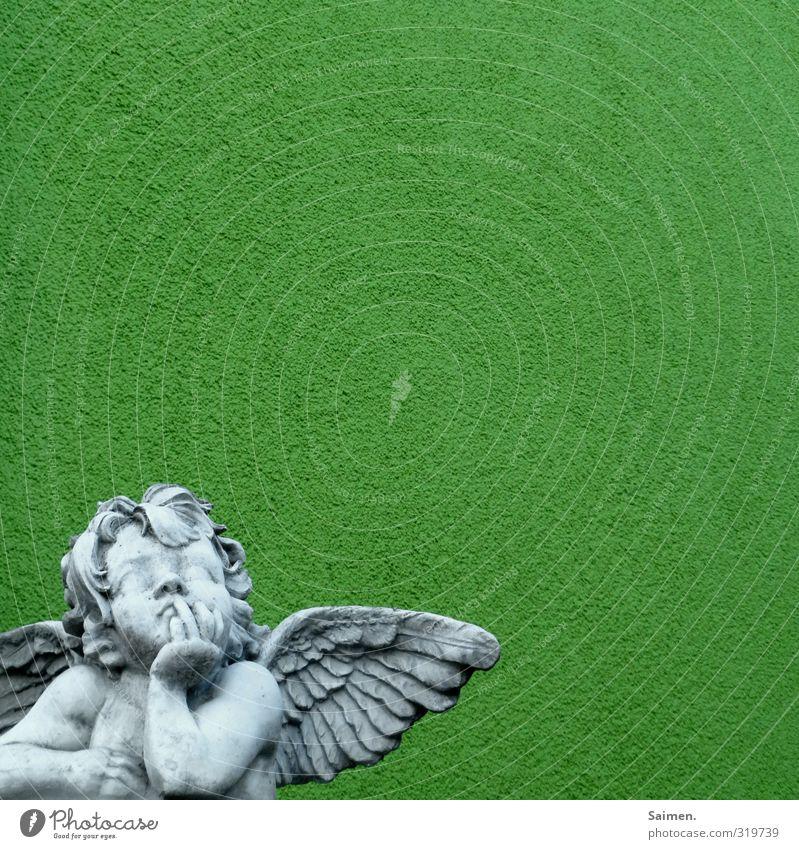 Chiller vor dem Herrn grün Wand Mauer Denken Fassade Engel Statue Figur Putz Philosophie Putzfassade