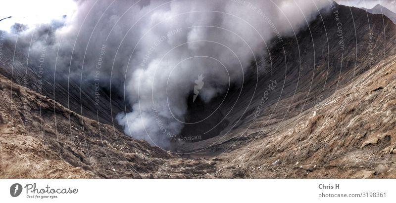 Mount Bromo Umwelt Natur Urelemente Erde Vulkan Mt. Bromo Indonesien Asien Abenteuer Rauch Eruption Farbfoto Außenaufnahme Menschenleer Morgen Tag