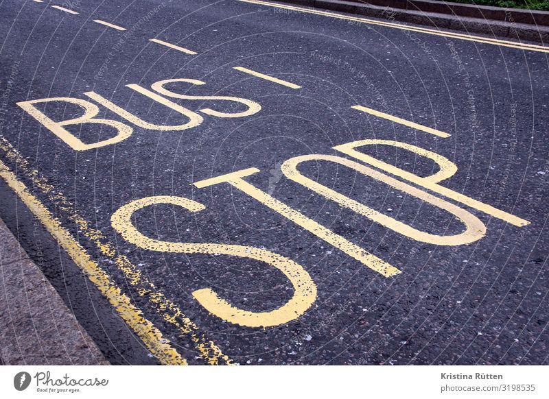 bus stop Stadt Verkehr Verkehrsmittel Verkehrswege Personenverkehr Öffentlicher Personennahverkehr Straßenverkehr Busfahren Verkehrszeichen Verkehrsschild