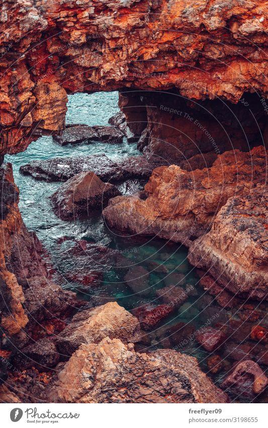 Steinbrücke aus Klippen in der Nähe des Ozeans Freizeit & Hobby Ferien & Urlaub & Reisen Tourismus Sightseeing Sommer Sonne Meer Winter wandern Natur Landschaft
