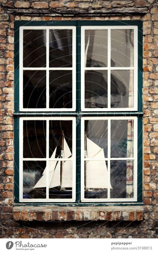 Heimathafen Freizeit & Hobby Segeln Ferien & Urlaub & Reisen Abenteuer Häusliches Leben Wohnung Haus Einfamilienhaus Mauer Wand Fassade Fenster Schifffahrt