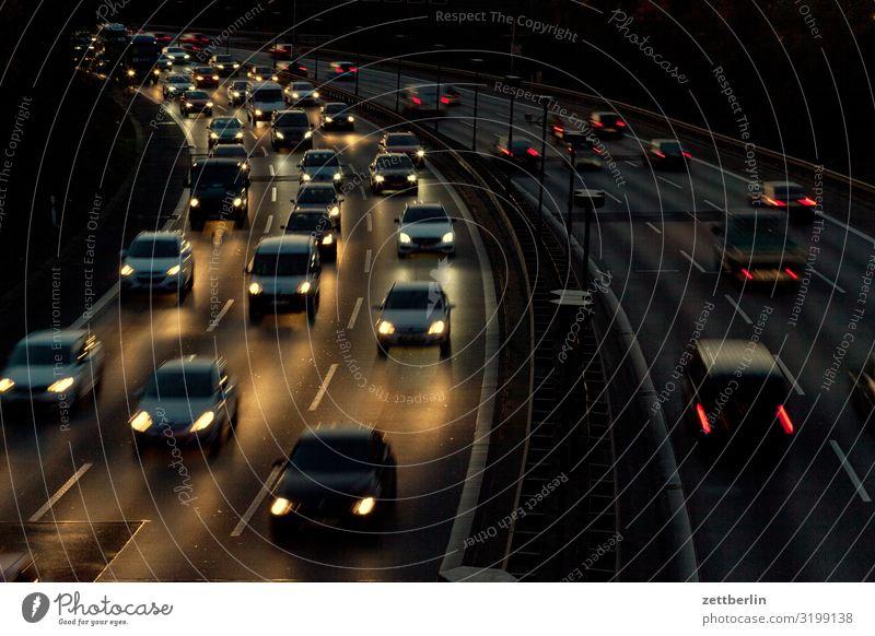 A 100 PKW Autobahn fahren Ferien & Urlaub & Reisen Bewegung Kurve Reisefotografie Geschwindigkeit Spuren Spurwechsel Verkehrsstau Unfallgefahr Straßenverkehr