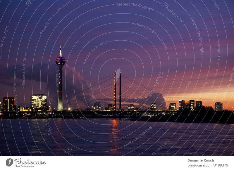 Nachthimmel über Düsseldorf Lifestyle Reichtum Ferien & Urlaub & Reisen Tourismus Sightseeing Städtereise Sonnenaufgang Sonnenuntergang Fluss Stadt Skyline