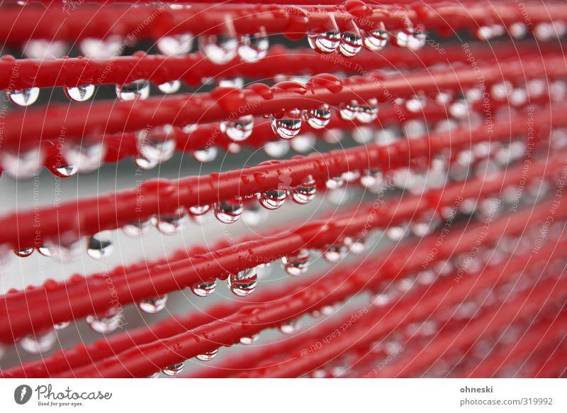 Mistwetter Wasser rot Linie Regen nass Wassertropfen Seil