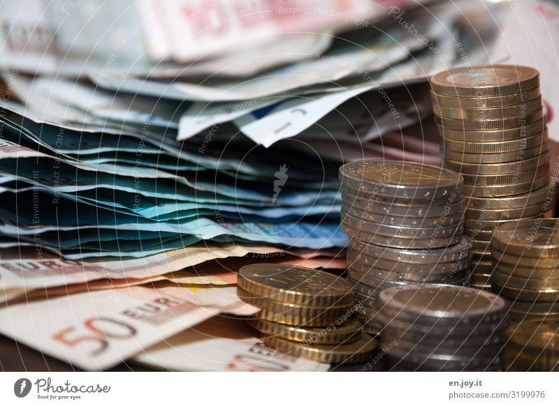 Kies Business Wachstum Erfolg kaufen Geld Macht Risiko Reichtum Handel Geldscheine Geldmünzen Preisschild Mittelstand Dekadenz
