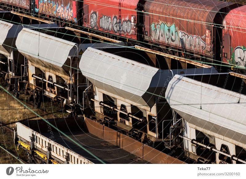 Güterzüge. Ferien & Urlaub & Reisen Verkehr Verkehrsmittel Verkehrswege Güterverkehr & Logistik Schienenverkehr Bahnfahren Eisenbahn Güterzug ästhetisch