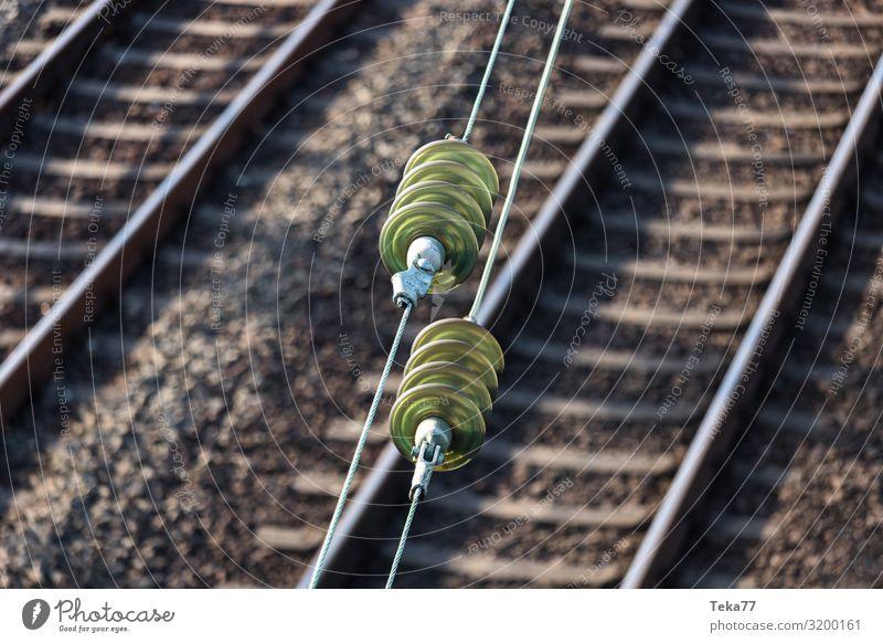 Bahn Oberleitung Ferien & Urlaub & Reisen Verkehr Verkehrsmittel Verkehrswege Personenverkehr Öffentlicher Personennahverkehr Berufsverkehr Schienenverkehr