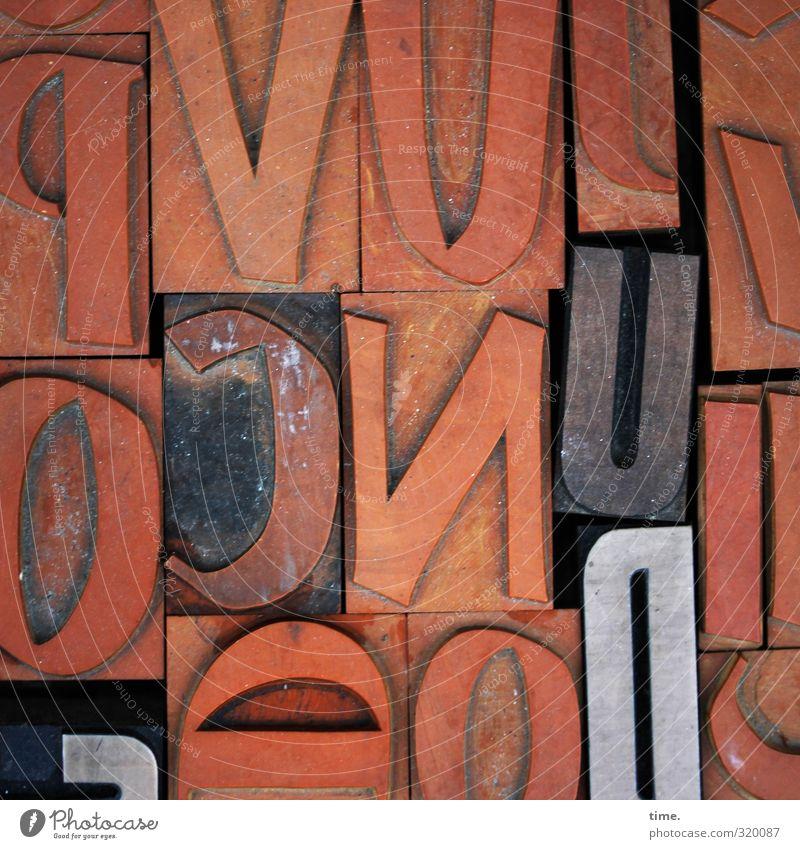 Textbausteine alt Kunst braun orange Schriftzeichen ästhetisch Buchstaben historisch Kunststoff Medien Konzentration Dienstleistungsgewerbe Handwerk nachhaltig eckig Stempel