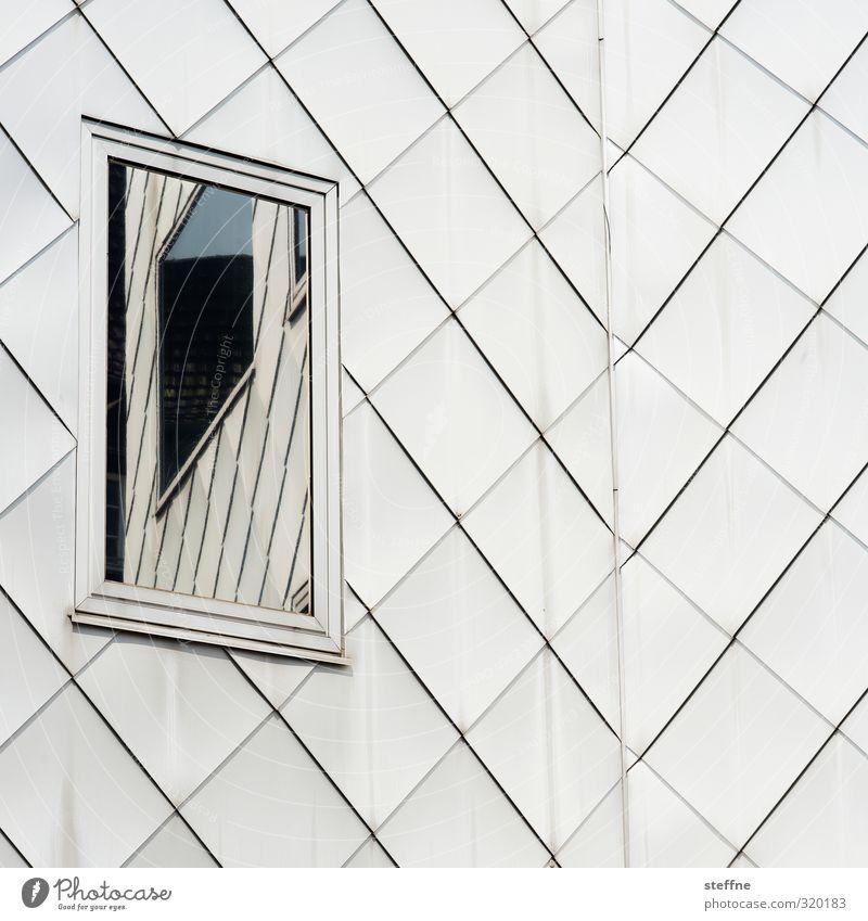 Ein Fenster zu sich selbst Köln Köln-Ehrenfeld Fassade ästhetisch unklar Reflexion & Spiegelung Gedeckte Farben Außenaufnahme abstrakt Strukturen & Formen