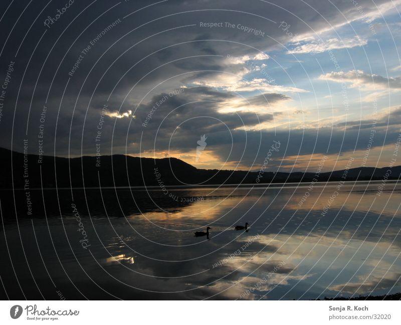 Regen im Gepäck Regenwolken See Sonnenuntergang Reflexion & Spiegelung Kochelsee Abend Wasser