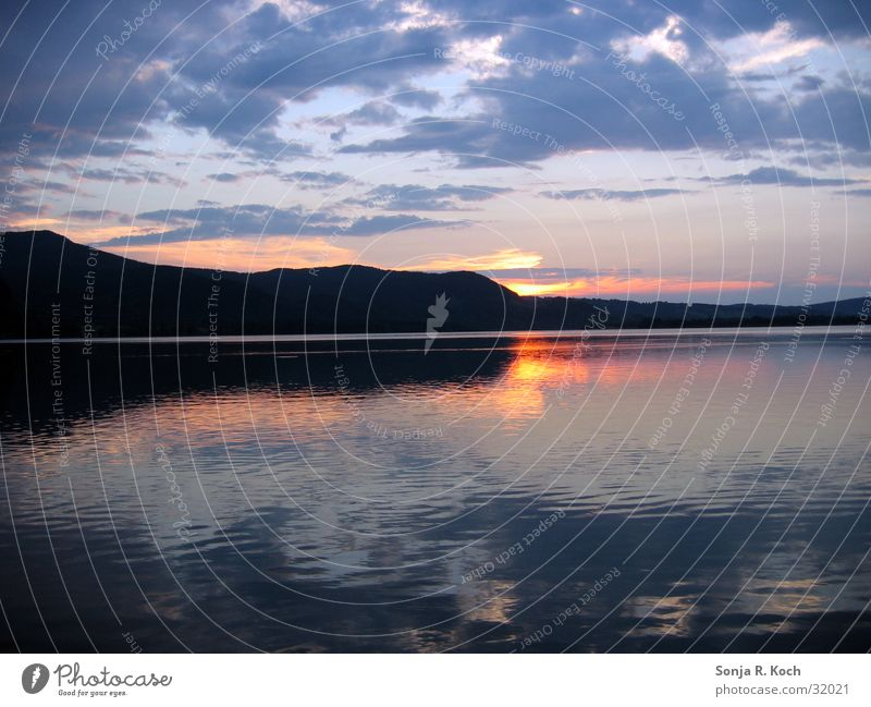 Sonnenuntergang Wasser ruhig Wolken Berge u. Gebirge See Abenddämmerung Kochelsee