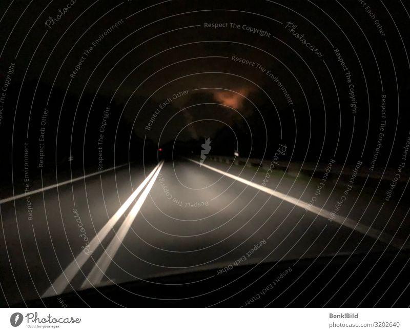 Tunnelblick Einsamkeit Ferne dunkel Straße Traurigkeit Freiheit Abenteuer gefährlich Sehnsucht Fernweh Stress Verkehrswege Surrealismus Alkohol Rauschmittel