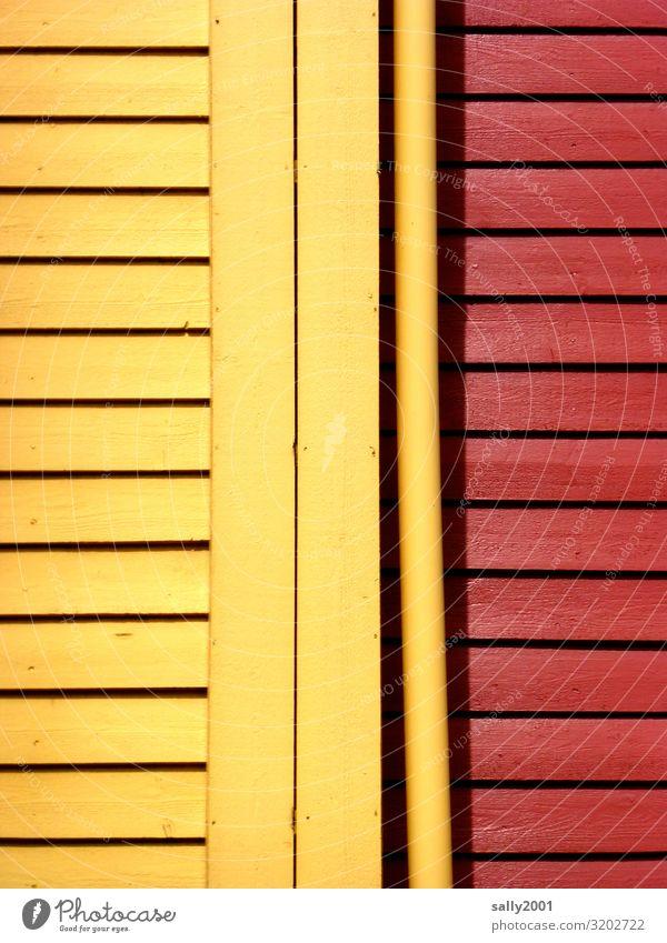 gelb-rot... Skandinavien Schweden Norwegen Haus Mauer Wand Fassade Holz ästhetisch Fröhlichkeit mehrfarbig Tradition Holzwand Anstrich Farbfoto Außenaufnahme
