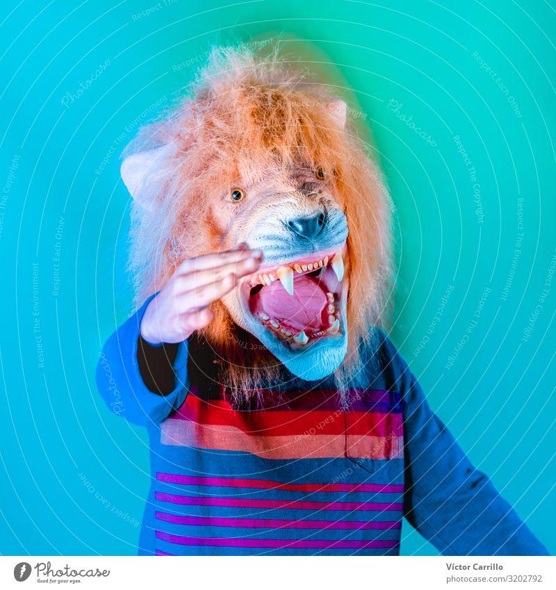 Redner der neuen Politiken exotisch Kind Junge 1 Mensch 8-13 Jahre Kindheit sprechen Aggression Kitsch Farbfoto Innenaufnahme Studioaufnahme Nahaufnahme