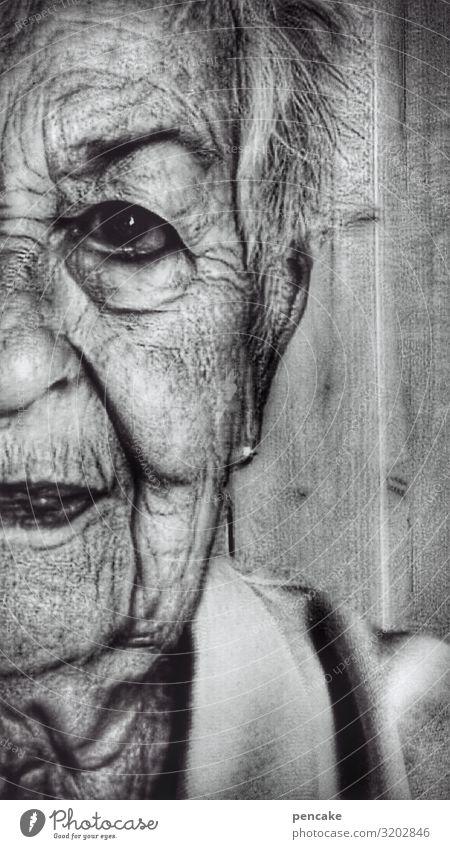 hautsache | faltenwurf Mensch feminin Weiblicher Senior Frau Großmutter Haut Gesicht 1 60 und älter authentisch außergewöhnlich dunkel bizarr geheimnisvoll