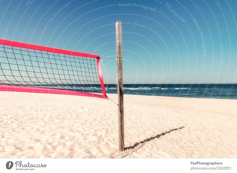 Sommerliche Strandlandschaft mit Volleyballnetz an der Nordsee auf Sylt Freude Erholung Ferien & Urlaub & Reisen Tourismus Abenteuer Sommerurlaub Meer Insel