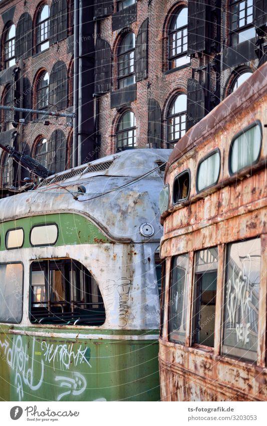 ÖPNV auf dem Abstellgleis Technik & Technologie New York City Brooklyn Stadtzentrum Haus Fabrik Verkehr Verkehrsmittel Öffentlicher Personennahverkehr