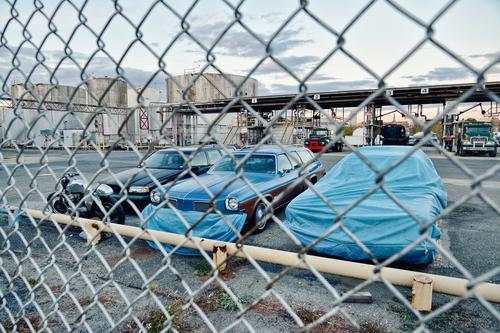 Zurück aus der Zukunft Klimawandel New York City USA Stadt Menschenleer Industrieanlage Platz Hafen Bauwerk Gebäude Maschendrahtzaun Verkehr Verkehrsmittel