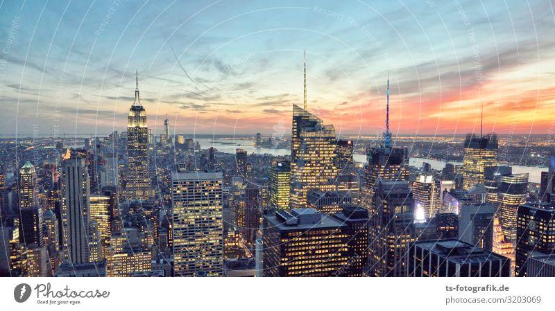 Sonnenuntergang in Manhattan Ferien & Urlaub & Reisen Tourismus Sightseeing Städtereise Himmel Wolken Horizont Schönes Wetter New York City USA Stadt