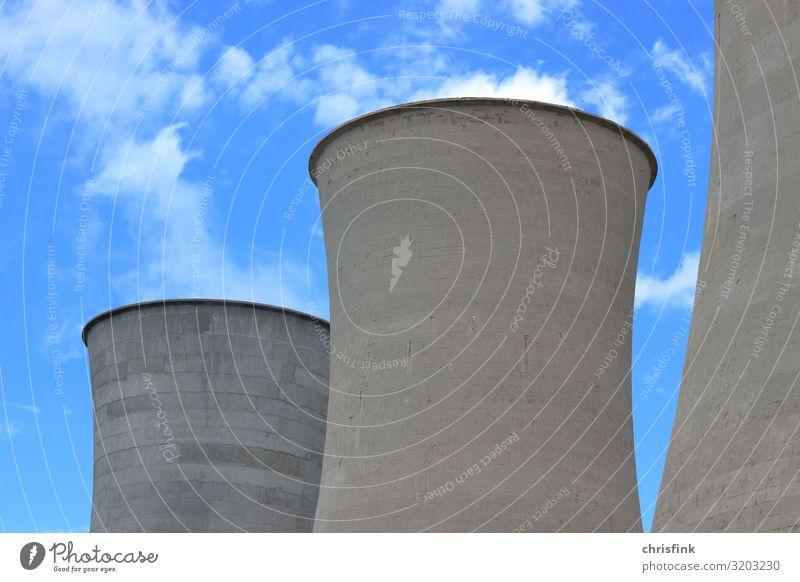 Kühltürme vor Wolkenhimmel Himmel blau Umwelt grau Angst Energiewirtschaft Technik & Technologie Industrie Klima bedrohlich Zukunftsangst Abgas Aggression