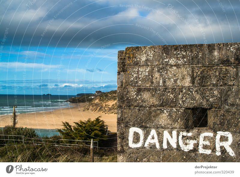 Vorsicht: Die Deutschen kommen! Umwelt Landschaft Wasser Himmel Wolken Sonne Frühling Klima schlechtes Wetter Hügel Wellen Küste Strand Bucht Stein Sand Gefühle
