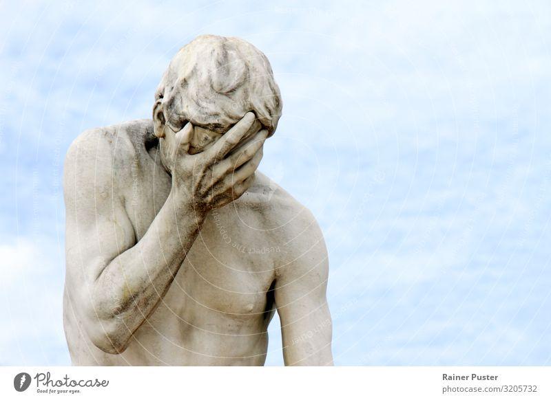 Facepalm - Statue mit Hand vor dem Gesicht Skulptur Traurigkeit weinen blau grau Trauer Liebeskummer Enttäuschung Scham Reue Angst Entsetzen Stress Verzweiflung