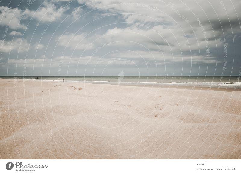Nur 300 Kilometer Himmel Natur Ferien & Urlaub & Reisen blau Wasser Sommer Meer Einsamkeit Landschaft ruhig Wolken Strand Ferne kalt Herbst Frühling