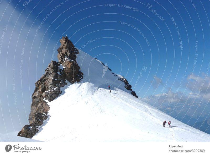 Schwarzhorn von Norden Klima Klimawandel Schönes Wetter Eis Frost Schnee Hügel Felsen Alpen Berge u. Gebirge Monte Rosa Gipfel Schneebedeckte Gipfel Gletscher